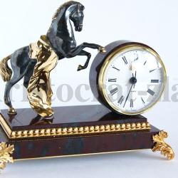 """Часы """"Вороной конь"""""""